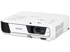 Proyector Epson PowerLite X36+, resolución de 1024x768, contraste 15.000:1 y 3,600 ANSI-Lumens.