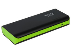 Batería Portátil recargable y linterna LED ADATA PT100 Powerbank de 10000 mAh.